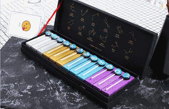 浪漫有创意的圣诞节礼物推荐四、星空创意棒棒糖礼盒装
