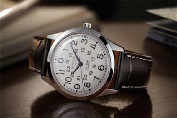 价格在五千元的浪琴手表排行三、浪琴L4.759.4.12.2