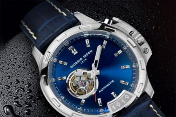 价格在五千元的浪琴手表排行四、浪琴L4.319.4.11.2