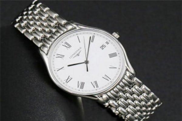 价格在五千元的浪琴手表排行六、浪琴L4.759.4.11.6