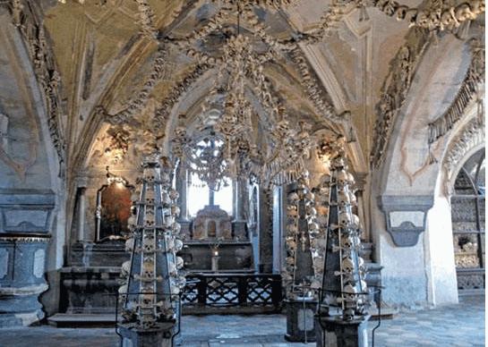世界十大最恐怖的地方5、捷克人骨教堂