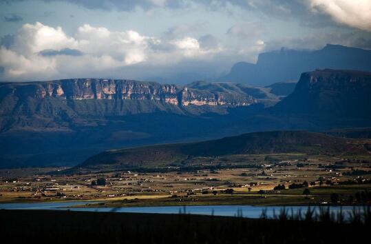 世界上海拔最高的国家:非洲莱索托 被称天上的王国