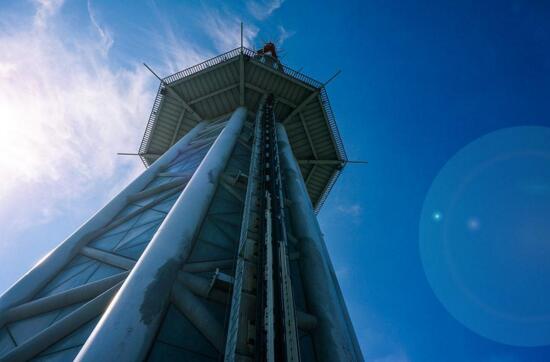 世界上最高的跳楼机:广州塔跳楼机