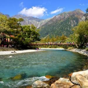 十一去日本旅游攻略,日本旅游十大人气地区排行榜