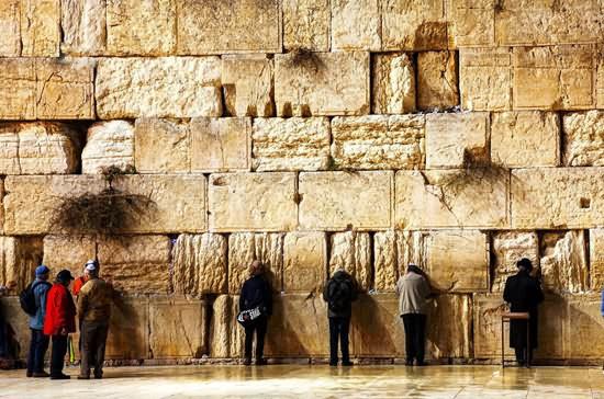 """耶路撒冷哭墙""""流泪""""揭未世先兆"""