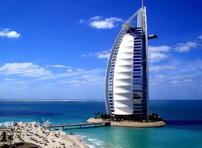 """迪拜""""七星级""""帆船酒店"""