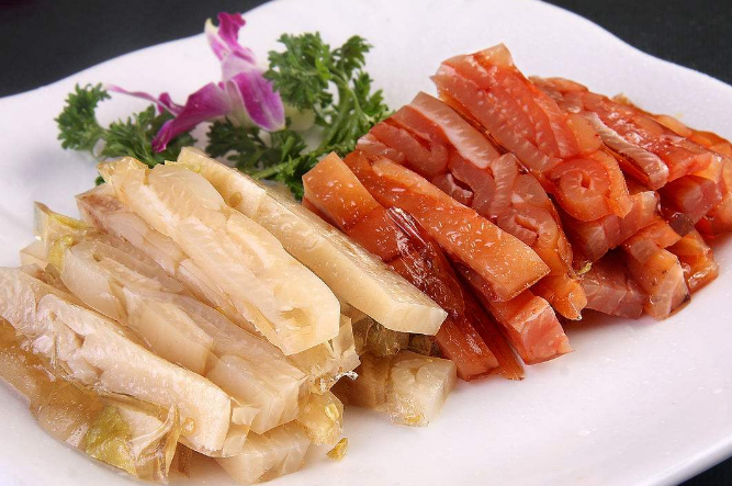 十大胶原蛋白食物排行榜1、猪皮