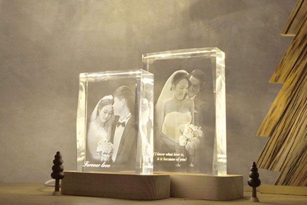 最有意义十八岁的礼物排行榜六、照片定制水晶灯摆件