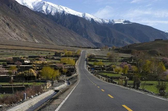 中国风景最美的10条自驾游公路一、川藏公路