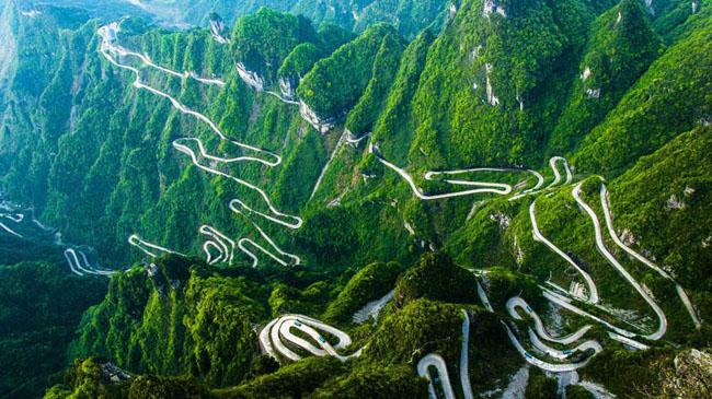 中国风景最美的10条自驾游公路六、天门山盘山公路